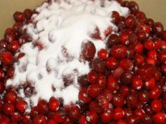 Клюква с сахаром на зиму: рецепты заготовок