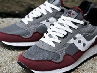 Модные виды и техника шнуровки кроссовок