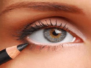 Как правильно подводить глаза карандашом?