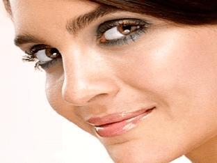 Как сделать дневной макияж для карих глаз?