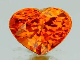 Описание и свойства камня Падпараджа