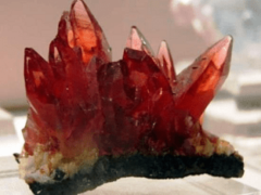 Драгоценный камень гиацинт: как выглядит?