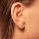 Почему горит правое ухо и что это значит?