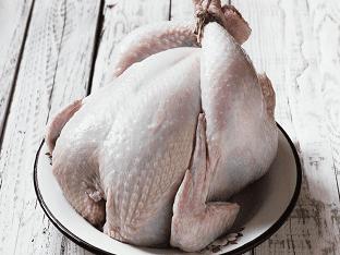 Размораживание куриного мяса: правильно или быстро?